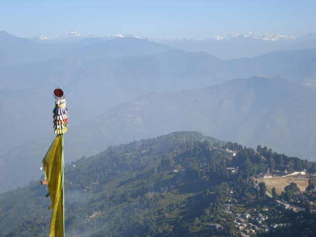 Himalayas from Darjeeling, the path to the Tibetan Refugee Self-Help Centre